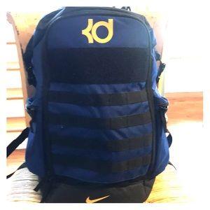 KD Trey 5V basketball backpack